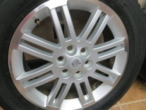 09-SATURN-OUTLOOK-TRAVERSE-ALLOY-20-WHEEL-SET-TIRE-BRIDGESTONE-2009-DUELER-HL-0-1