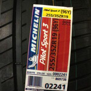 2-New-255-35-19-Michelin-Pilot-Sport3-Tires-0